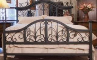 Конструктивные особенности металлической полуторной кровати, ее плюсы